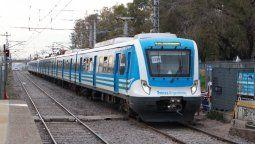 accidente en el limite de lomas y temperley: el tren atropello a un hombre