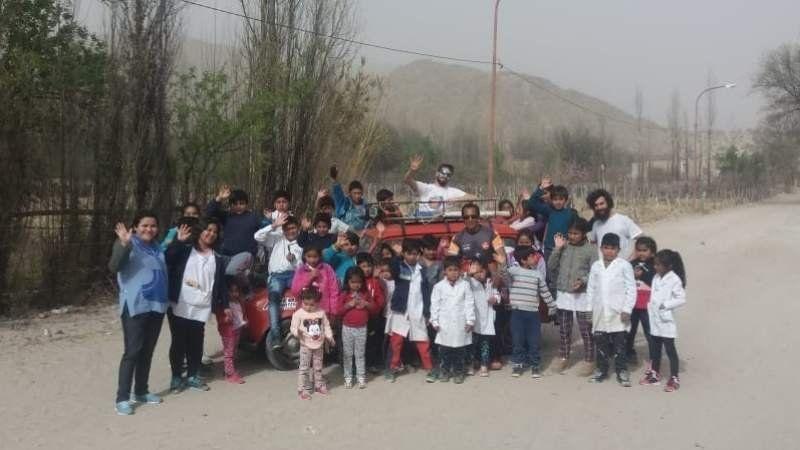 Un echeverriano se cruzó el país con donaciones para ayudar a un pueblo carenciado