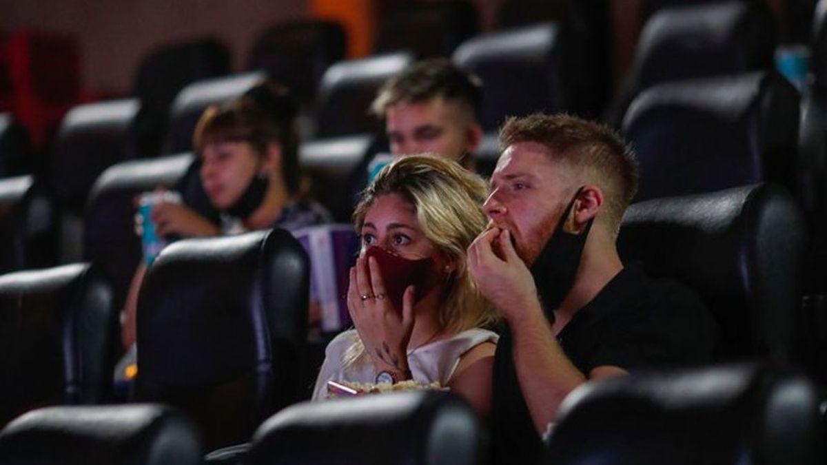 daran $5.000 a jovenes para usar en cines, recitales y servicios culturales