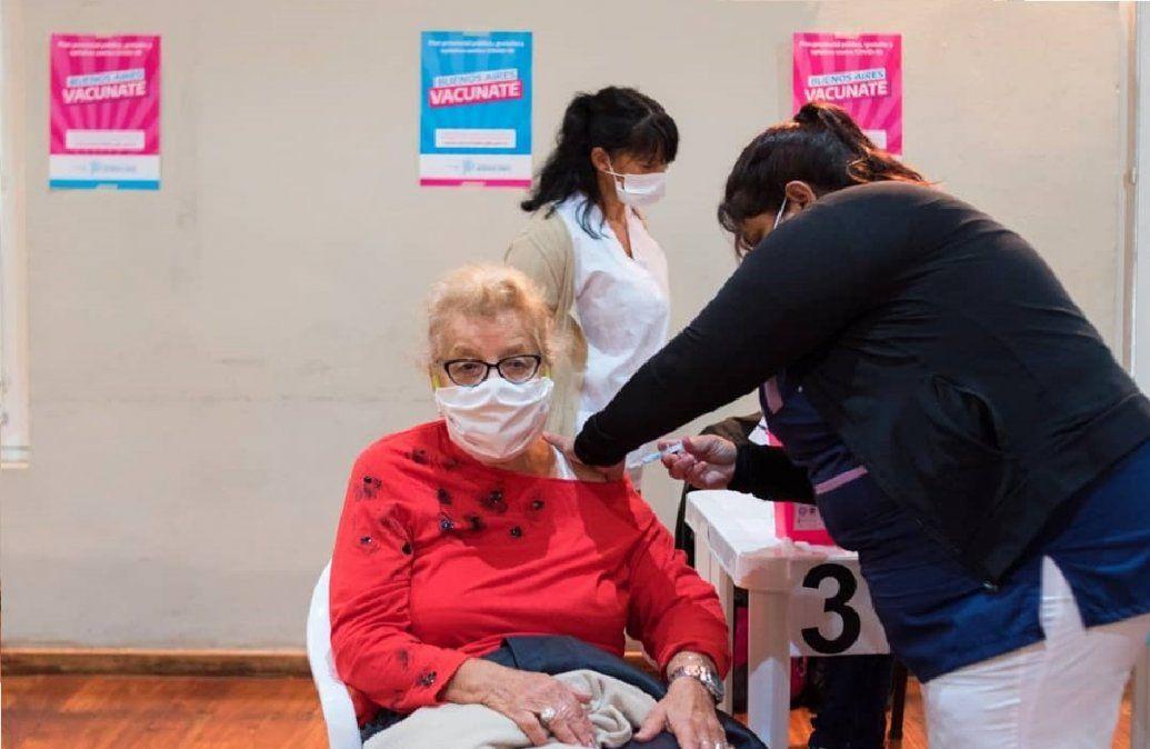 En San Vicente ya aplican dosis a mayores de 70 sin turno: cuáles son los requisitos