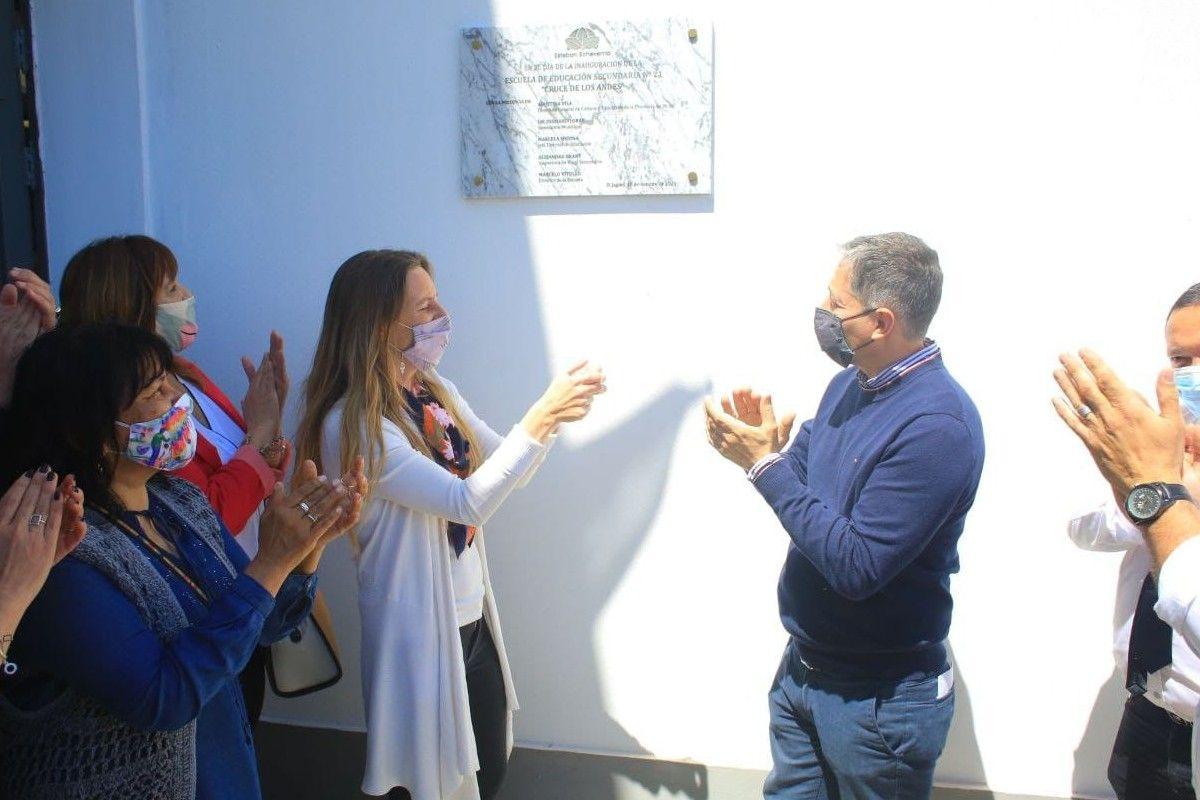 Esteban Echeverría: Fernando Gray inauguró la Escuela Secundaria N° 21 de El Jagüel
