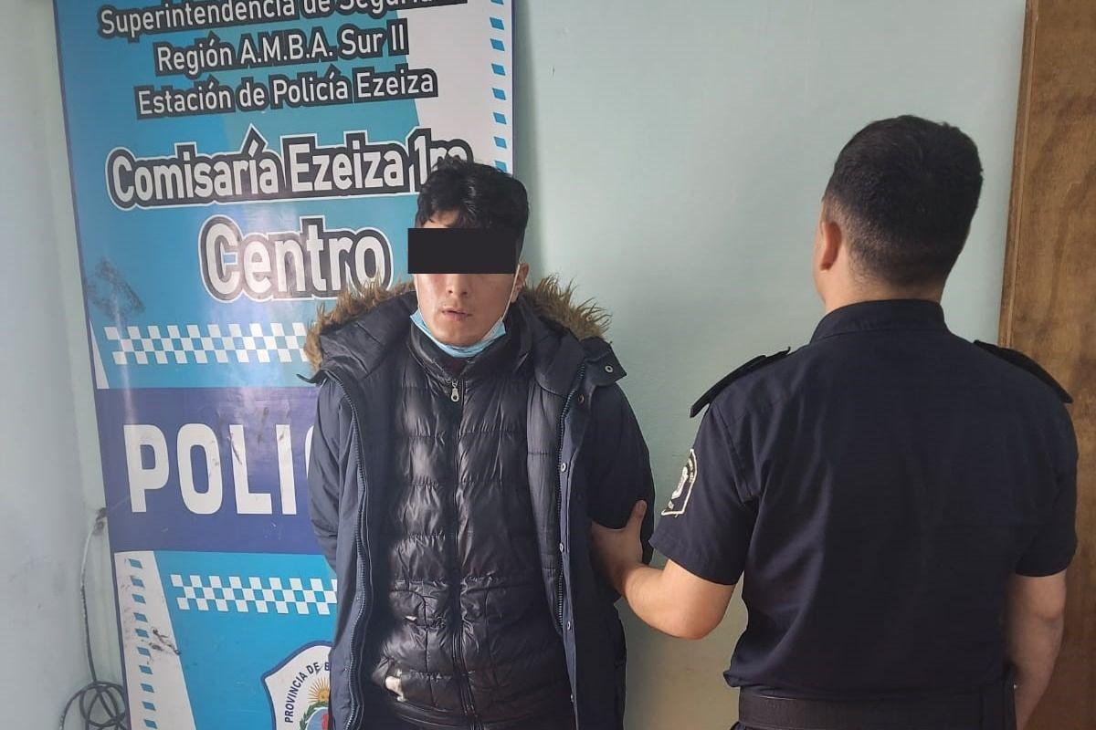 Ezeiza: Robó una billetera, sacó plata del cajero y lo detuvieron