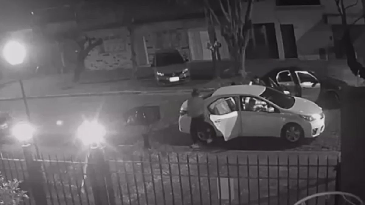 Terror en Banfield: robaron un auto y se llevaron a la víctima