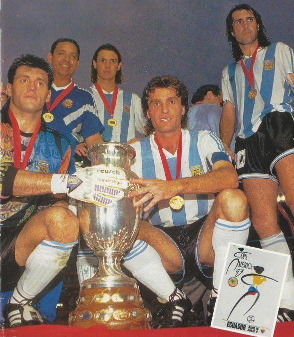 Al fondo, Fernando Rodondo, uno de los jugadores más destacados de la Selección.