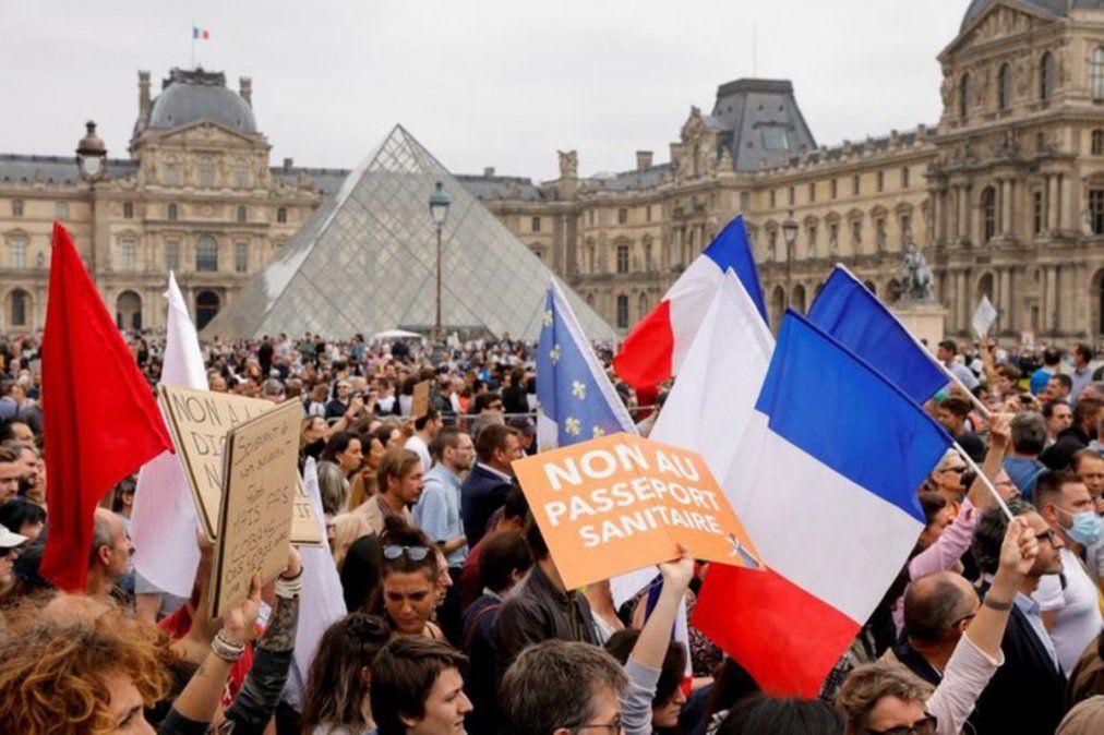 La provincia evalúa una propuesta similar a la tomada en Francia, donde el sector antivacunas es mucho mayor.
