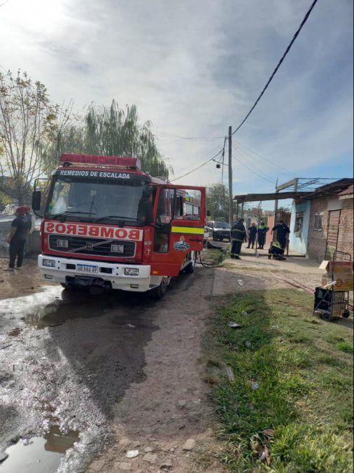 Otro incendio en Lanús: se prendió fuego una casa