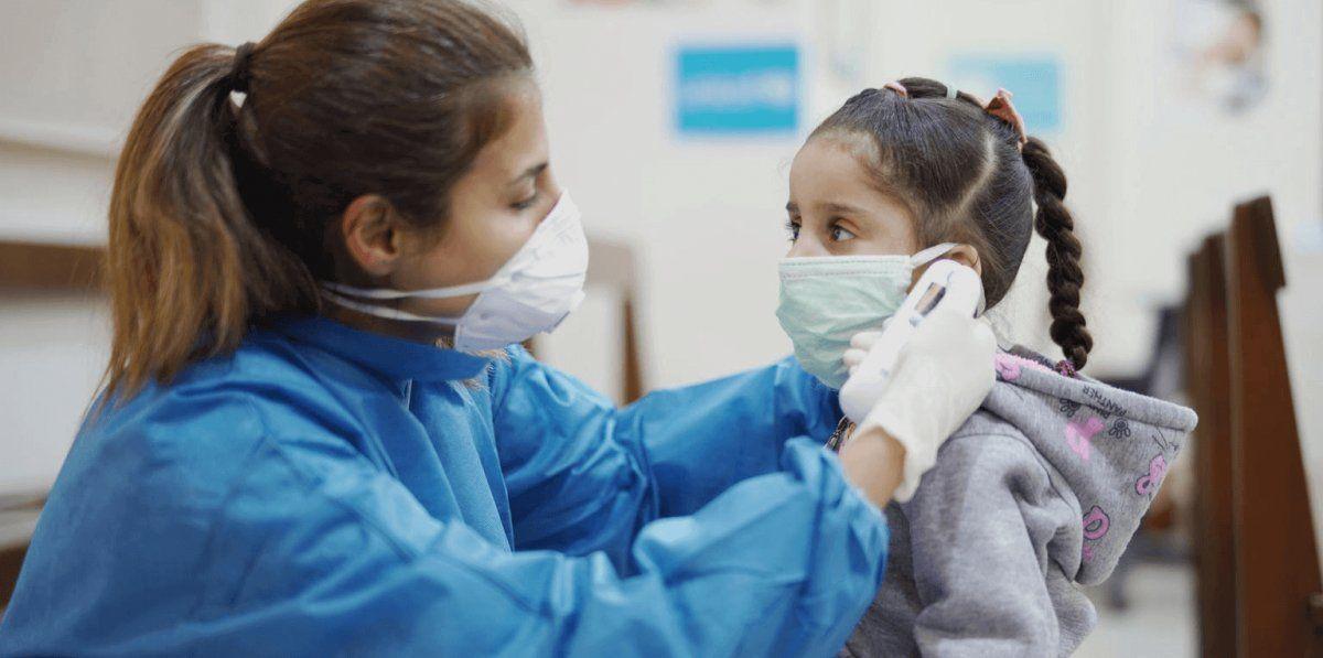 Aumentan los contagios de coronavirus en menores de 20 años en Brown