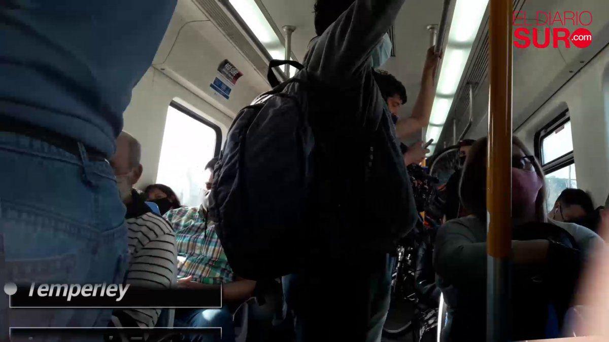 Aumentan los pasajeros en el tren Roca y ya se acumula gente en los pasillos