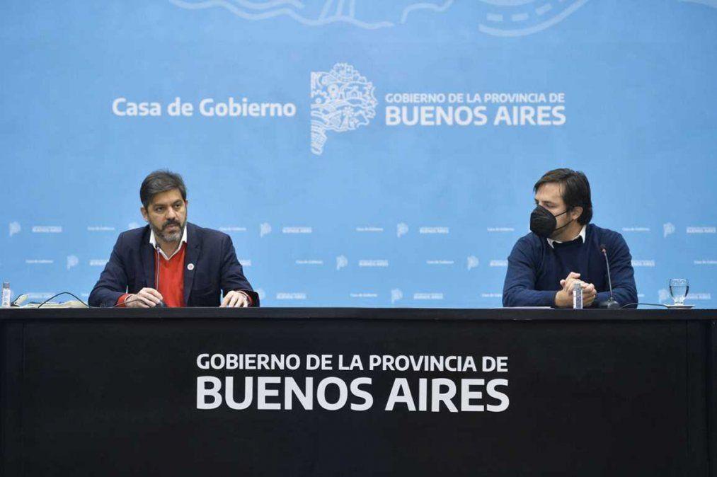 Carlos Bianco, jefe de Gabinete de la provincia, junto a Nicolás Kreplak, ministro de Salud.