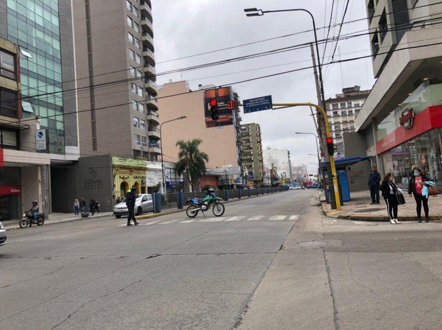 Protesta en el centro de Lomas: cortan ambas manos de Yrigoyen y el tránsito es un caos