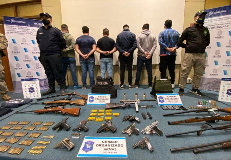 La banda criminal de policías falsos hacía entraderas envarios distritos