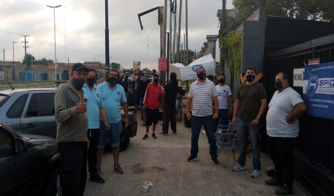 Confirman más despidos en química Dalgar y sigue la protesta