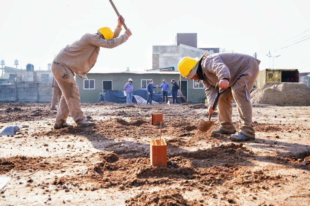 Avanza la construcción de un nuevo jardín en Monte Grande