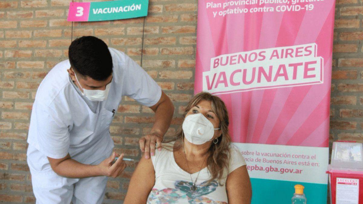 Provincia comenzó a vacunar a menores de 60 con comorbilidades