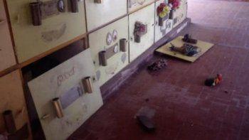 Misterio por la aparición de ataúdes en la puerta del cementerio de Lanús