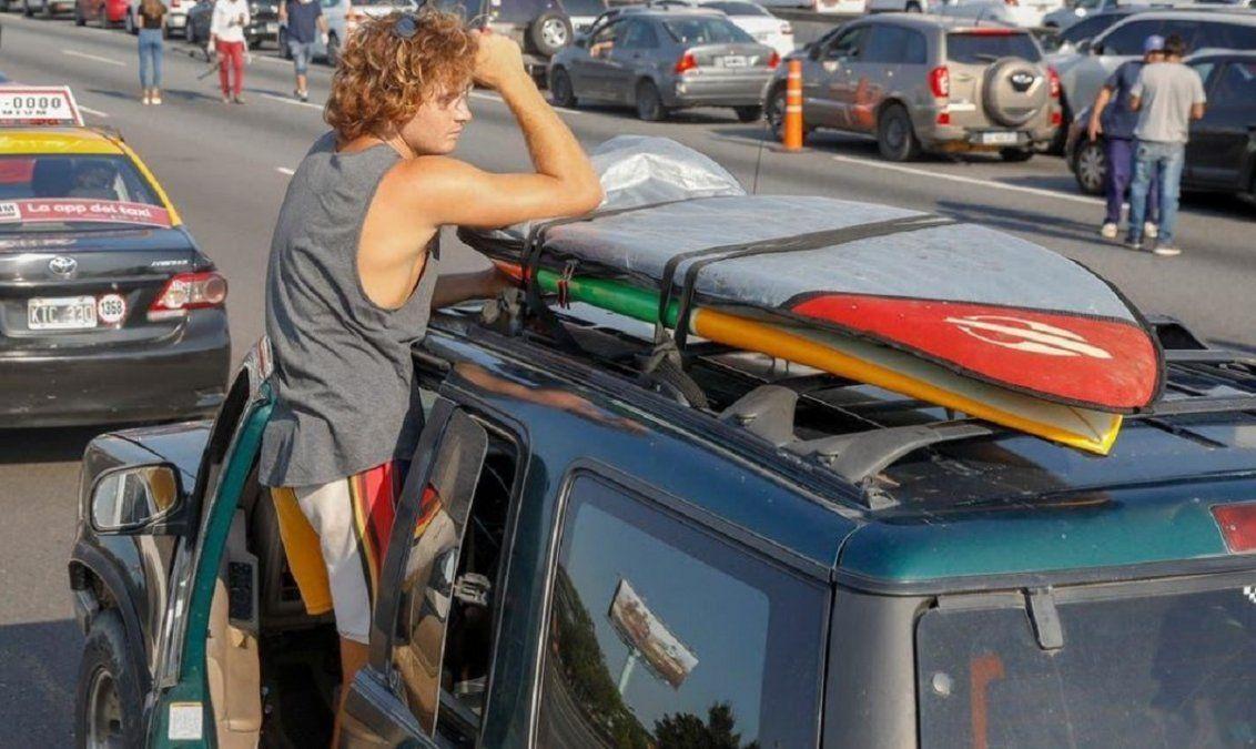 El surfer que vivía en Canning fue detenido por violar la cuarentena cuando volvía de Brasil