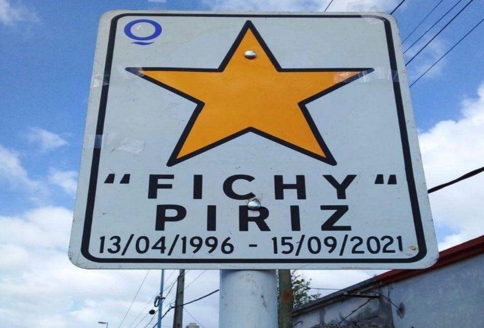 Colocaron una estrella amarilla en memoria de Fichy, el fallecido bailarín de Quilmes