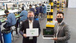 Fernando Gray visitó la empresa que arman las netbooks del plan Esteban online