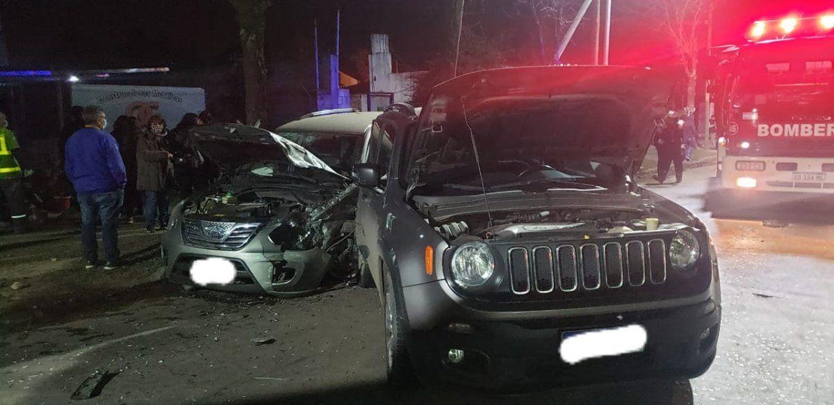 Triple choque en Monte Grande: dos jóvenes resultaron heridos