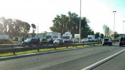 un accidente genera demoras en la autopista ezeiza ? canuelas