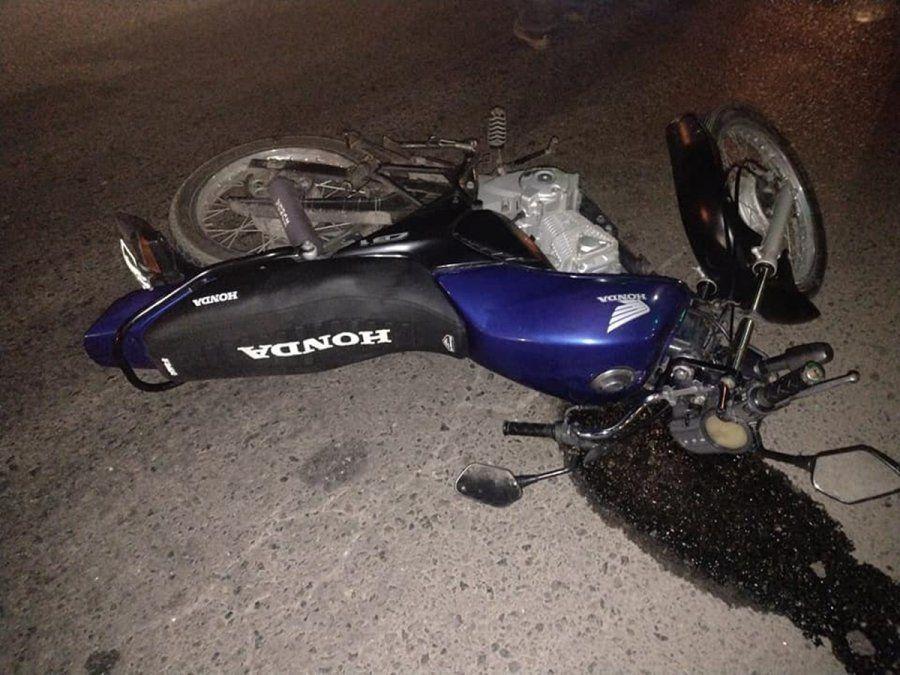 Así quedó la moto tras el choque.
