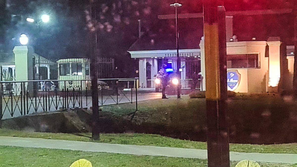 Cómo fue el robo en el Country Saint Thomas y quién es la víctima que recibió tres disparos