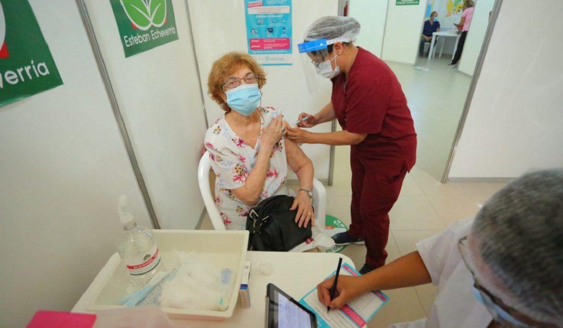 Sigue la vacunación contra el coronavirus con dosis de Sputnik V y AstraZeneca