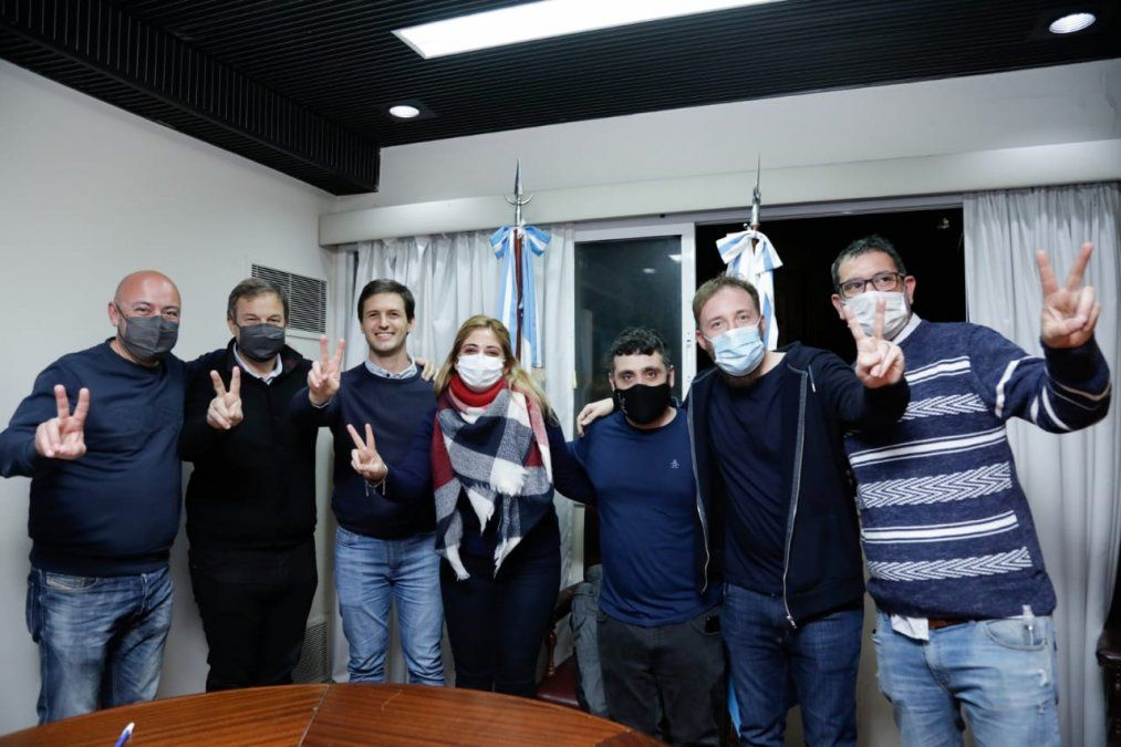 Mantegazza, Cascallares, Federico Otermin y la precandidata a diputada de San Vicente Eleonora Vázquez.