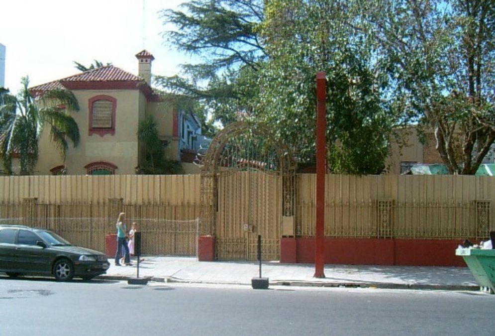 El frente de La Casona, el boliche de Lanús que cerró en 2006.