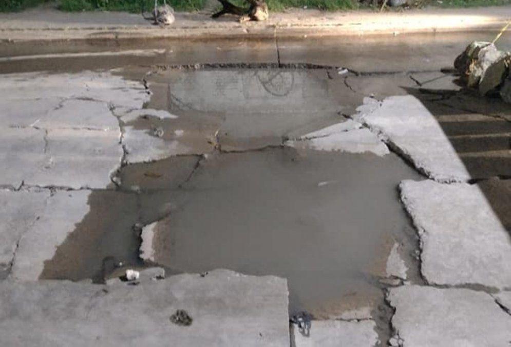 Lanús: vecinos cortaron una calle para exigir que no pasen más camiones