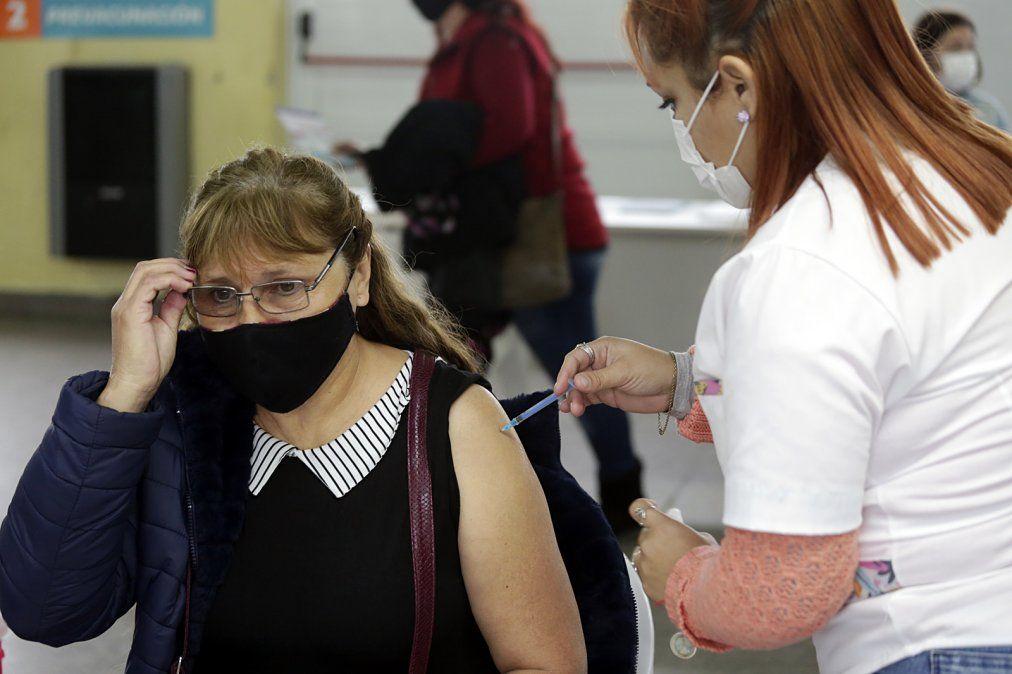 Más de 150 mil personas ya fueron vacunadas contra el coronavirus en Brown