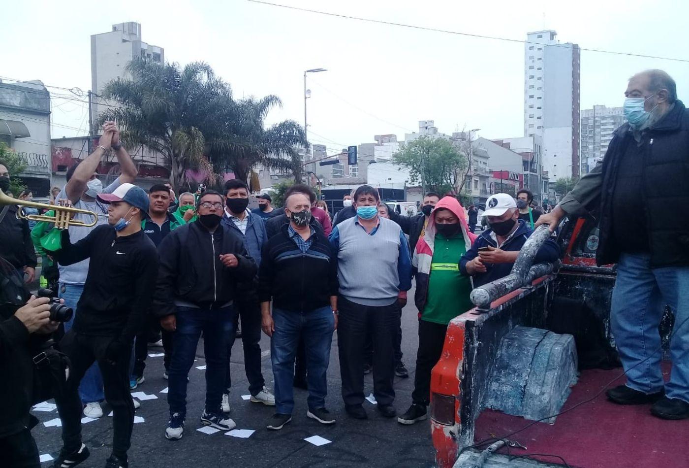 lanus: municipales rechazaron el 10% de aumento ofrecido por grindetti