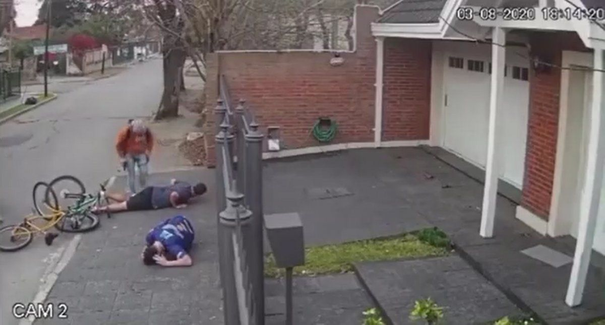 Violento robo en Adrogué: Les dispararon y se salvaron
