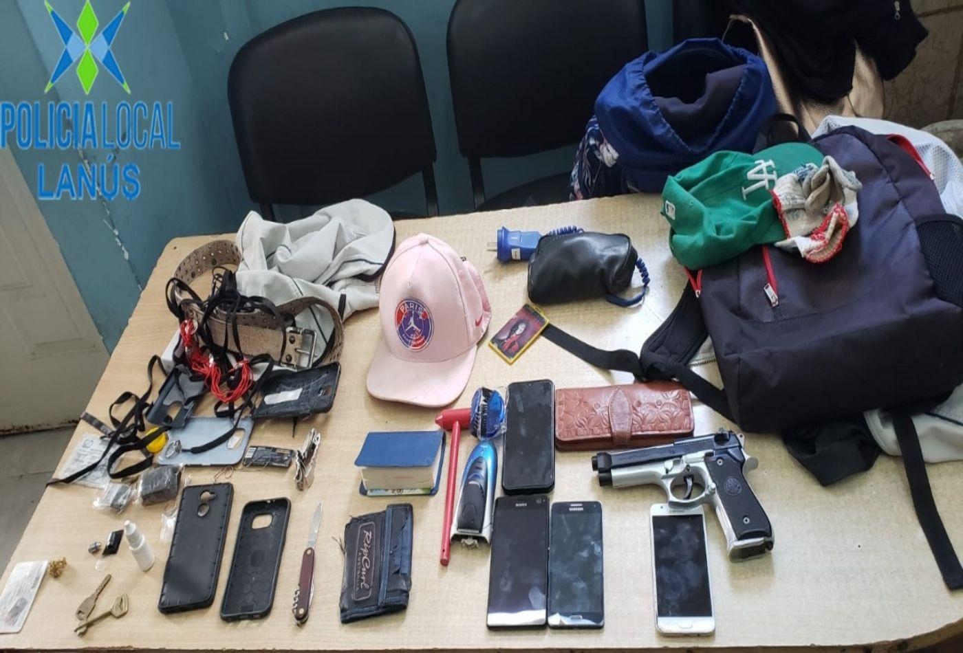 tres ladrones detenidos en lanus: vecinos los reconocieron cuando merodeaban el barrio