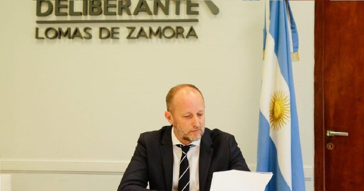 Martín Insaurralde abrió las sesiones en Lomas sin prensa y sin transmisión oficial