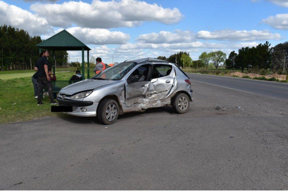 Canning: Choque entre 2 autos en la Ruta 58