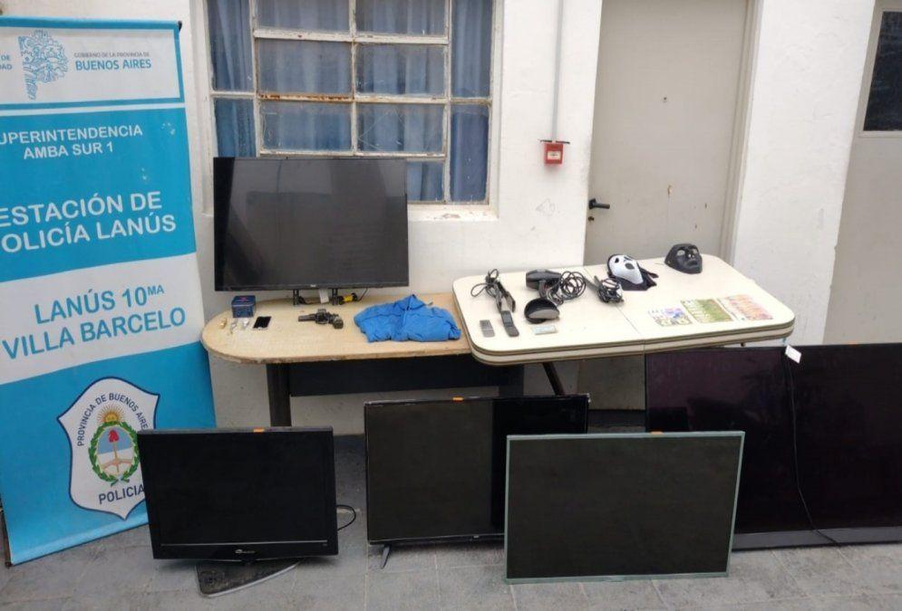 Estos elementos robados en entraderas fueron secuestrados en los cuatro allanamientos en Lanús.