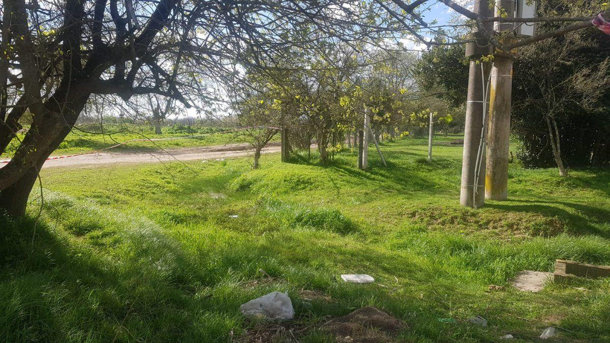 La zanja donde fue hallado el cadáver en San Vicente.
