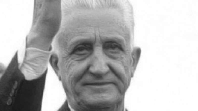 La democracia era un defecto: Arturo Illia