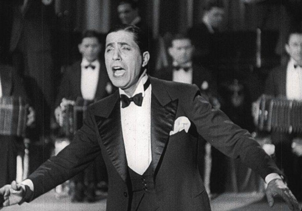 Un Zorzal suelto en Lomas de Zamora: la noche que Carlos Gardel le cantó gratisa los vecinos