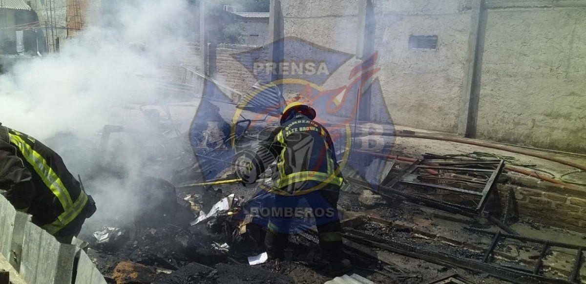 Incendio en una vivienda en Ministro Rivadavia.