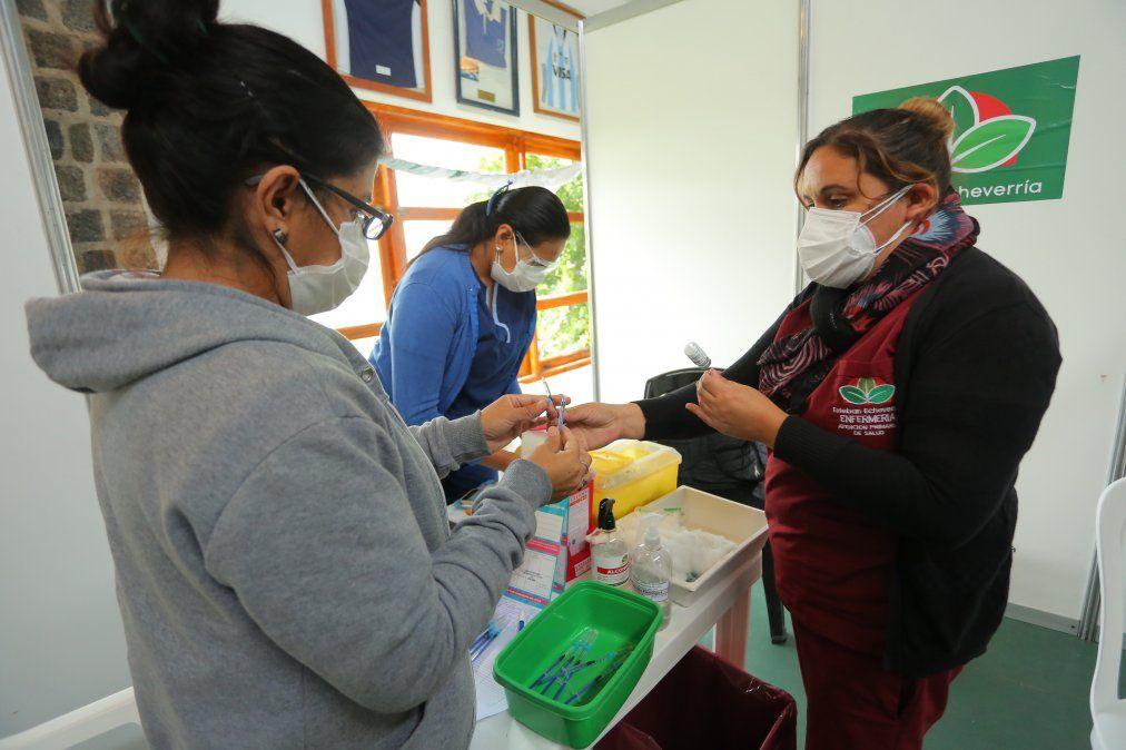 Récord de vacunación en Echeverría: 72.000 dosis aplicadas