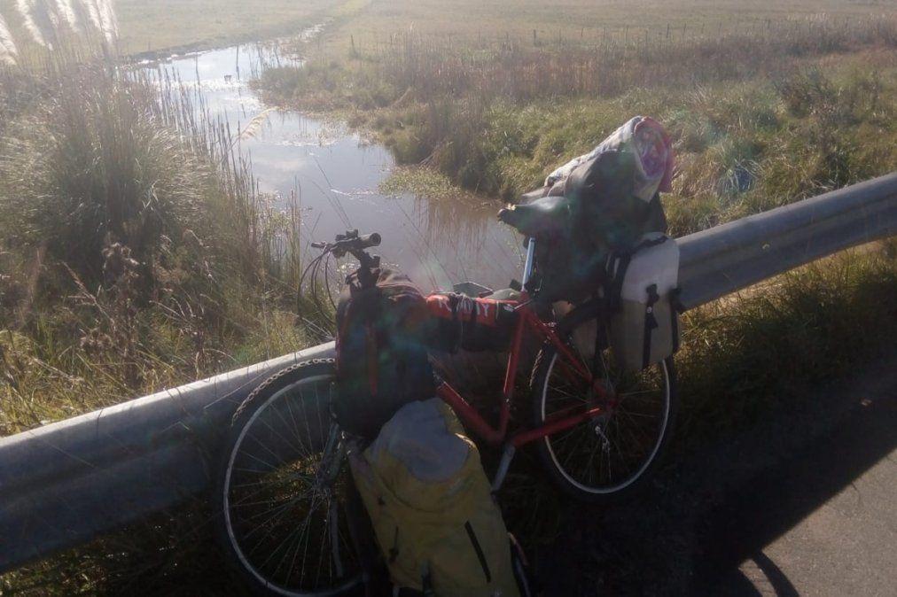 Un vecino de Guernica dejó todo y se fue a San Luis en bici: su historia