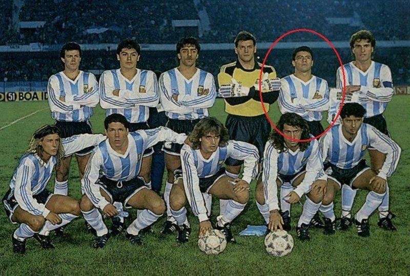 """En rojo, el """"Loco"""" Enrique en la Copa América 1993."""