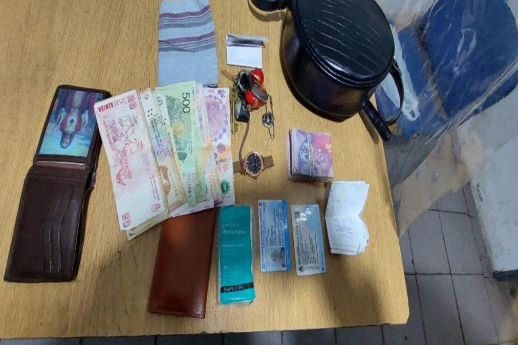 Estas fueron las pertenencias robadas a la jubilada en Lanús