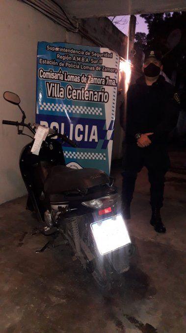 Le robaron la moto a un delivery de Pedidos Ya y los atraparon con el GPS del celular en Lomas