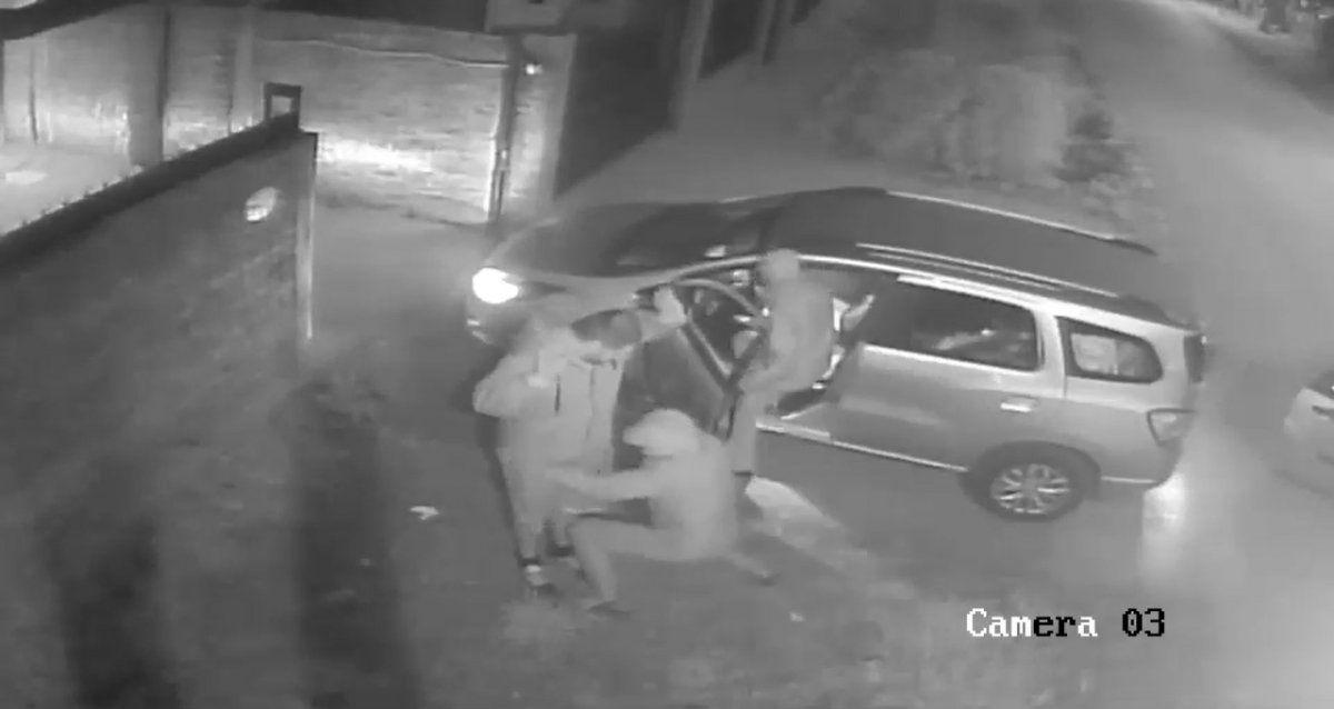 Glew: delincuentes quisieron robar un auto con un nene adentro