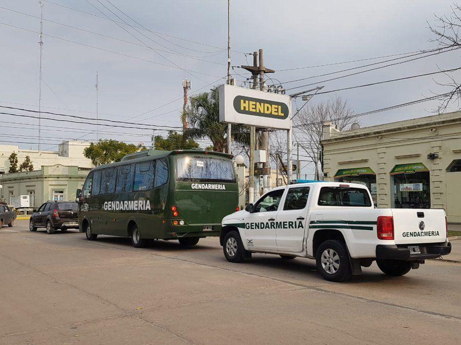 Gendarmería llegó con orden de servicio a San Vicente y Alejandro Korn