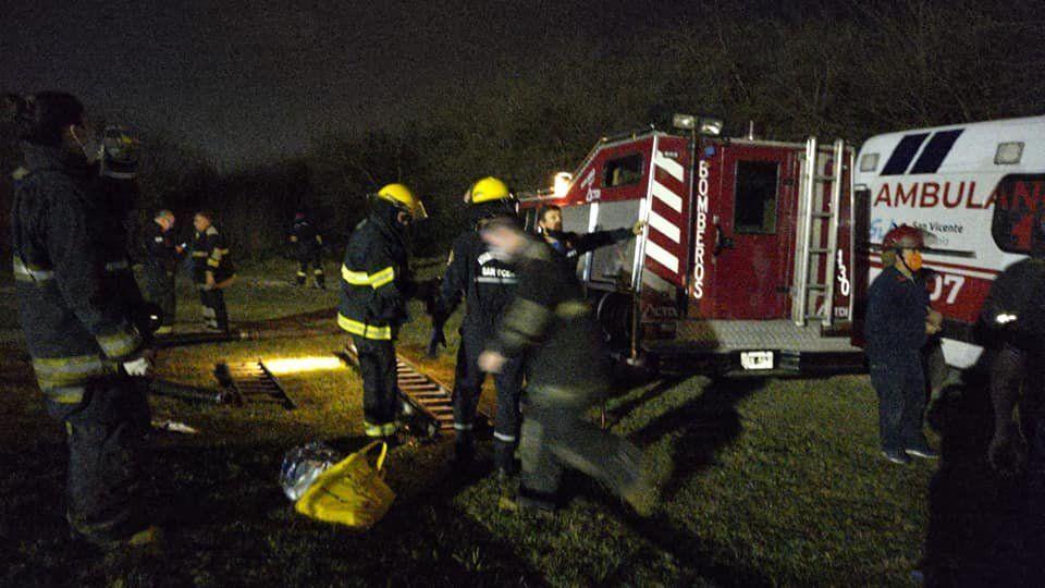 Los buzos de los bomberos de San Vicente trabajaron en el operativo.