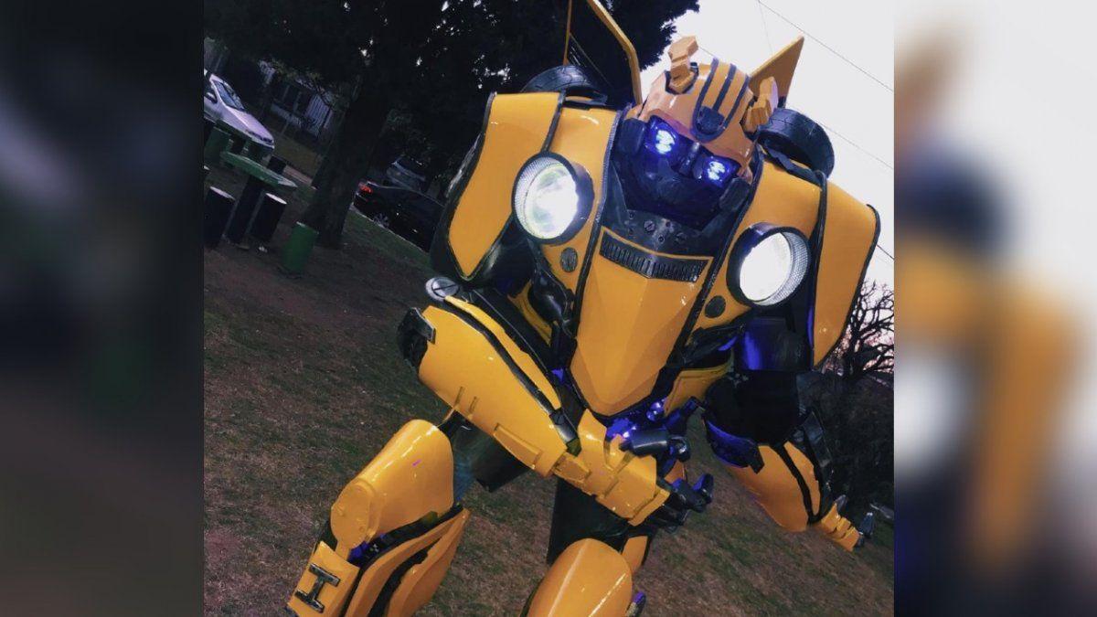 El Transformers de Burzaco que recorre la región y participó de un video con el Chapu Martínez